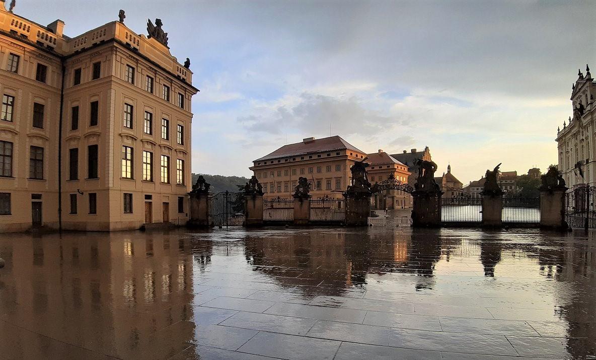 Radnice vstcn k seniorm - obec Tchlovice | alahlia.info