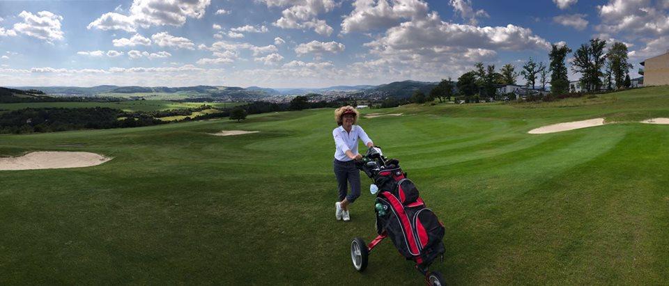 jediné golfové seznamky schéma databáze datování