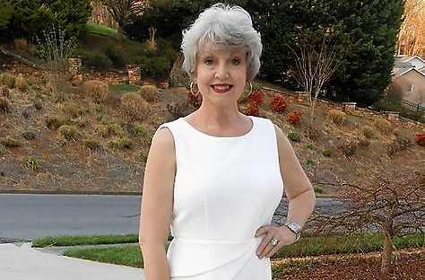 36 letá žena z 50 let