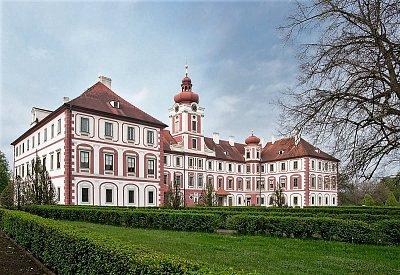 Vstupte do světa noblesy na zámku Mnichovo Hradiště