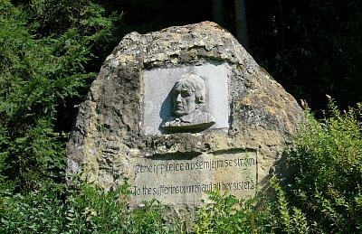 Jediný pomník Charlotty Masarykové najdete ve valašském Hutisku