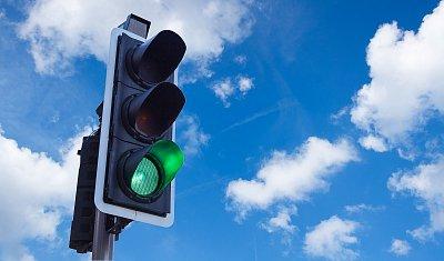 Za pátek přibylo 1447 onemocnění Covid-19. Semafor svítí zeleně skrz republikou, šest okresů je oranžových
