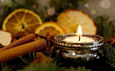Co dělat, když trávíte vánoce sami?