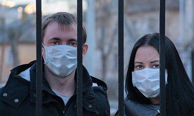 Nakažených nemocí Covid-19 prudce přibývá, ministerstvo zdravotnictví utahuje šrouby