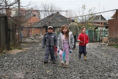 Výskyt tuberkulózy v romských osadách neklesá. Překvapivě pomáhá strach z covidu a karantény