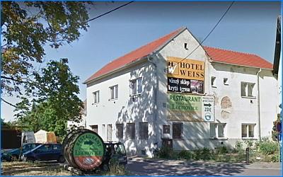 Hotel weiss titul