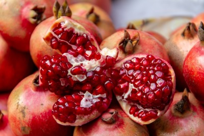 pomegranate-3725119_1280.jpg